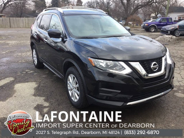 Pre-Owned 2017 Nissan Rogue SV